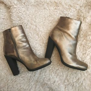 Calvin Klein metallic pewter heeled ankle boots 👢